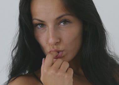 Rassige Berlinerin will Outdoor Sex auf Parkplatz